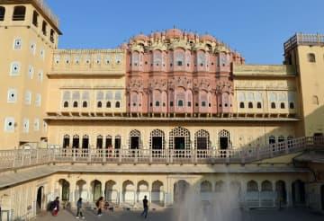 インドが誇る世界遺産の街「ジャイプール」をゆく