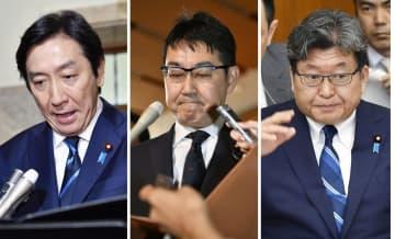 左から辞任した菅原経産相(25日)、辞任した河井法相(31日)、答弁に立つ萩生田文科相(30日)