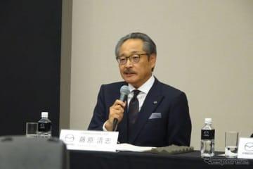 決算を発表する 藤原清志マツダ副社長