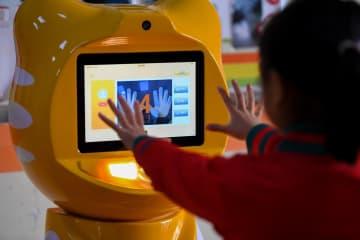 幼稚園に健康診断ロボット導入 湖南省長沙市
