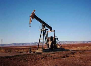A pumpjack in Syria's Rumeilan oil fields (Aram33/Wikipedia)