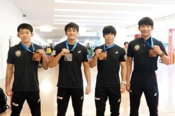 メダル獲得選手。左から早山竜太郎、谷山拓磨、瀬野春貴、石黒隼士