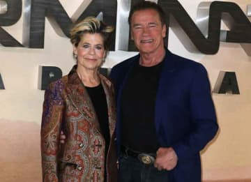 Arnold Schwarzenegger & Linda Hamilton Reunite for 'Terminator: Dark Fate' Photocall