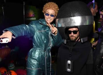 Jessica Biel & Justin Timberlake Enjoy Halloween With Couples Costume