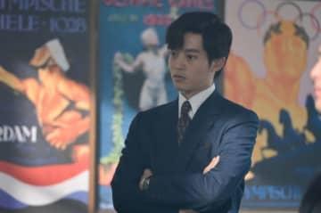 大河ドラマ「いだてん」で、日本オリンピック委員会の岩田幸彰にふんする松坂桃李 - (C)NHK