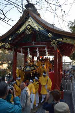 高度な伝統技術を用いて修理された「筑波山神社神橋」が公開された=筑波山神社