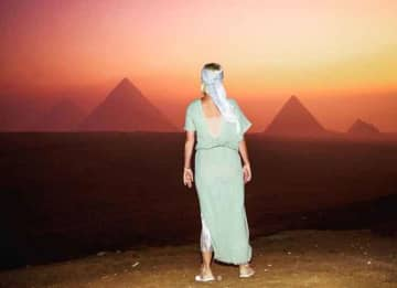 Katy Perry Celebrates 35 Birthday In At Pyramids In Egypt