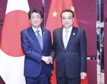 李克強総理、安倍首相と会見 実務協力の深化で一致