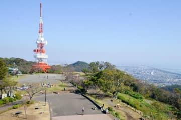湘南平の展望台から望む湘南の風景=平塚市万田