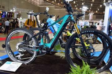 シマノのE-BIKEユニットSTEPSを積んだメリダのフルサスペンションバイク