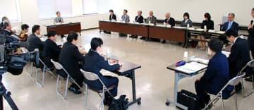 日本海ヘルスケアネットの病床融通について協議した=県庁