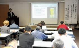 上川科長が自殺について講話したこころの健康づくり講演会