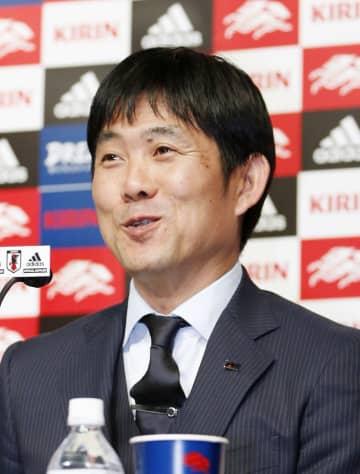 サッカーW杯アジア2次予選のキルギス戦などに臨むメンバーを発表する森保監督=6日、東京都文京区のJFAハウス