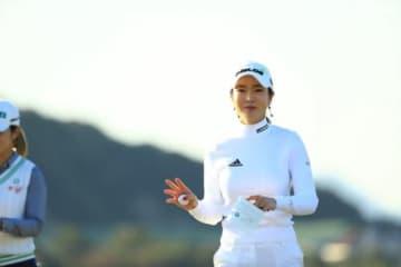 アン・シネが首位タイで2日目を終了(撮影:福田文平)