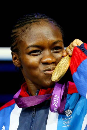 2012年ロンドン五輪ボクシング女子フライ級で初代女王に輝いたニコラ・アダムズ(ゲッティ=共同)