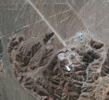 イラン中部フォルドゥの核施設の衛星写真=2009年9月(AP=共同)