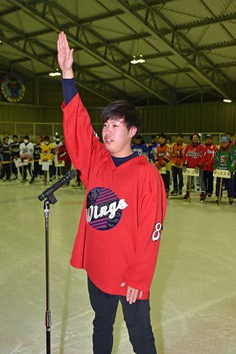 「正々堂々と戦い抜く」/青森県素人アイスホッケー、南部町で開会式/55チーム985人が熱戦展開へ