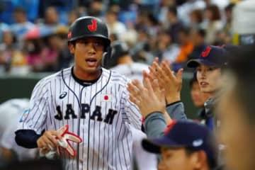 プエルトリコ戦に「1番・一塁」で先発した侍ジャパンのヤクルト・山田哲人【写真:Getty Images】