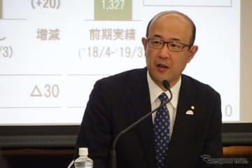 決算を発表する近健太トヨタ執行役員