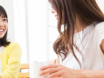 ピルは避妊目的のものと思われている親御さんが多いかもしれませんが、中高生でも、月経移動や月経痛の緩和を始め、過多月経やPMS、ニキビなどの改善、受験シーズンの月経コントロールなどの目的でピルを服薬しているお子さんは珍しくありません。