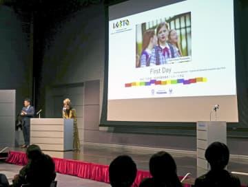 「First Day」の上映会に多くの教育関係者が詰めかけた=8日、東京都江東区