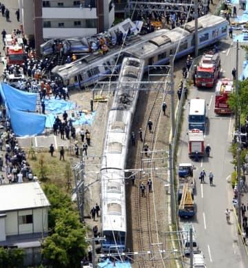 尼崎JR脱線事故の現場=2005年4月、兵庫県尼崎市