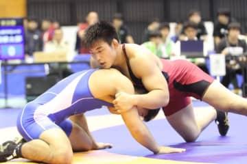 安定した闘いぶりで早大の団体優勝を目指す86kg級の山﨑弥十朗~撮影・矢吹建夫