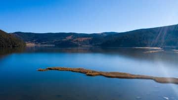 秋色に染まる普達措国家公園 雲南省シャングリラ市