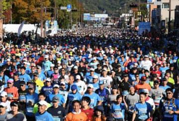おかやまマラソン 1.6万人力走 沿道に16万人 途切れないエール