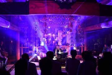 本堂で行われた「光の演奏会」=無量寺(小田原青年会議所提供)