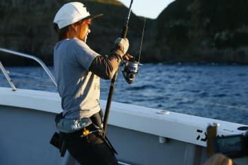 ノブを操作して、魚とやりとりする。これをうまく調整できるようになると格段にファイトが楽になる。