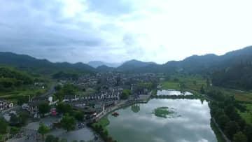 歴史ある村に晩秋の訪れ 安徽省宏村