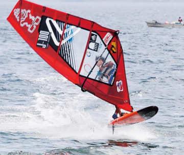 間近でウインドサーフィン「全日本フリースタイルトーナメント 津久井浜大会  2019」