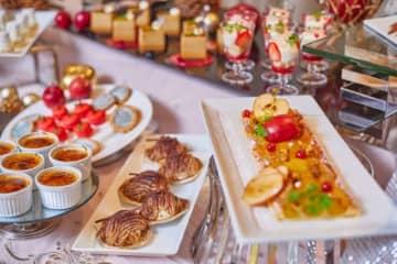 今年のクリスマスは、大人かわいい「白雪姫のクリスマスデザートブッフェ」はいかが?