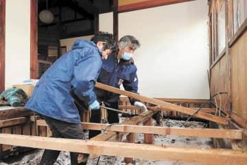 台風被災の東北中小事業者再起へ 負債や再度の水害リスク、不安との闘い