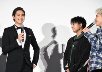 画面にイケメンしかいない - 片寄涼太(左)とGENERATIONSのメンバーたち