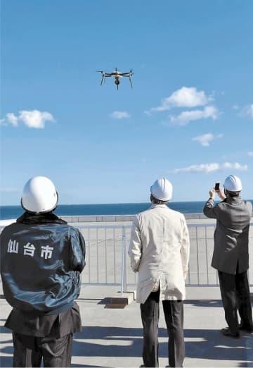 ドローンを飛ばし、津波避難の広報を試した実証実験