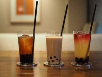 「東京タピオカランド」で1万円のタピオカミルクティー 「味は最高級」どうすごい?