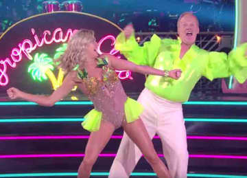Sean Spicer appears on 'Dancing With the Stars'