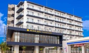 12月にオープンするショールームなどを併設した「ラパンミハマレジデンスホテル」=北谷町美浜(ラパン提供)