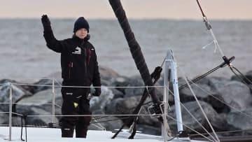 グレタさん ヨットでスペインへ 「危機を知ってもらうため」