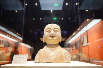 仏教芸術の宝庫、響堂山石窟を訪ねて