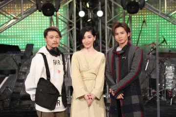 KinKi Kidsが最新シングル曲「光の気配」を作詞の坂本真綾とコラボレーション