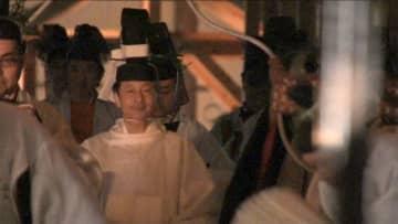 両陛下 安堵の様子で周囲をねぎらわれる 「大嘗宮の儀」終わる