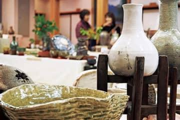 海老名・龍峰寺で陶心会の「第22回焼き物百人展」幼児や児童の作品ほか多数