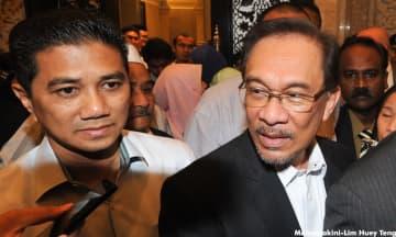 Anwar: Hidden hands? Perhaps Azmin is looking from the sky, moon