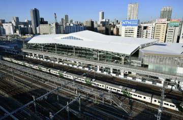 報道関係者に公開されたJR高輪ゲートウェイ駅の駅舎=16日午前、東京都港区