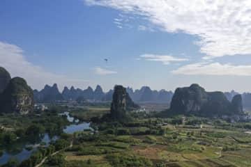 雨上がりの山水絵巻 広西チワン族自治区陽朔県