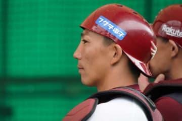 楽天からヤクルトに移籍した嶋基宏【写真:荒川祐史】