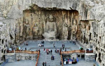 1500年余りの歴史を刻む世界遺産「竜門石窟」をゆく 河南省
